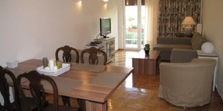 3-bedroom Apartment Athens Athens centre with kitchen for 9 persons