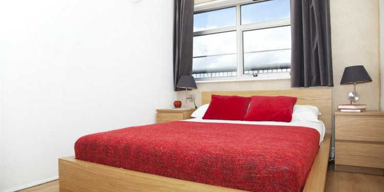 2-bedroom London Tower Hamlets with kitchen for 6 persons