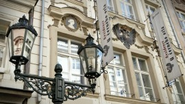 Hotel At The Black Eagle Praha