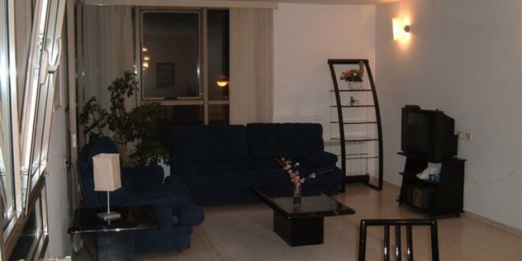 3-bedroom Apartment Jerusalem with kitchen for 8 persons