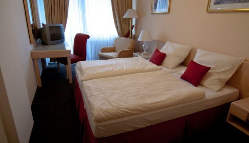 Hotel Oáza Praha - Einbettzimmer, Dreibettzimmer