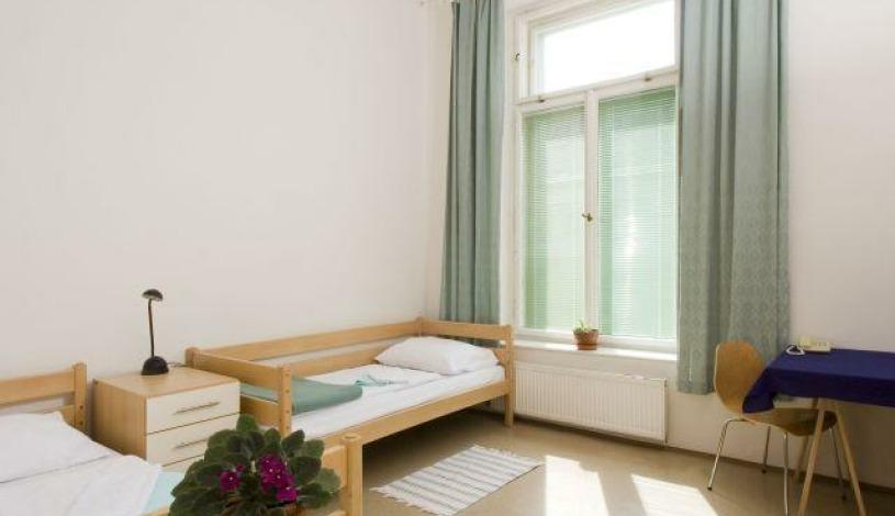 Hostel Mikoláše Alše Praha - Třípokojový apartmán, Dvoupokojový apartmán, Dvoulůžkový apartmán s možností přistýlky