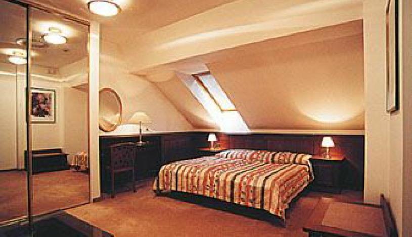 Hotel Galerie Royale Praha - Dreibettzimmer