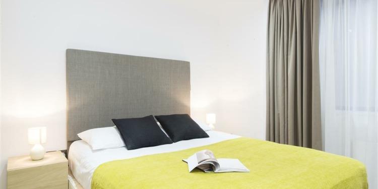3-bedroom Apartment London Tower Hamlets with kitchen for 8 persons