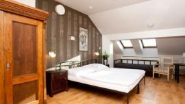Hostel Sir Toby`s Praha - Четырехместный номер с ванной комнатой