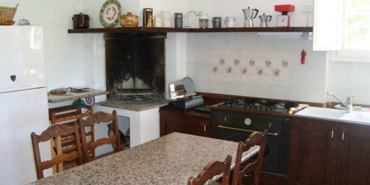 3-bedroom Perugia San Biagio della Valle with kitchen for 8 persons