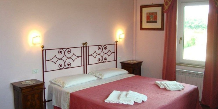 3-bedroom Apartment Perugia San Biagio della Valle with kitchen for 4 persons