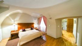 HOTEL U ZLATÉHO KOLA Praha