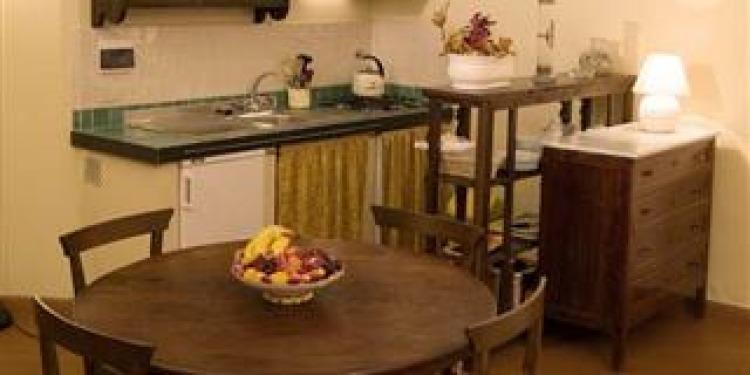 Studio Firenze Apartment Santo Spirito with kitchen for 4 persons