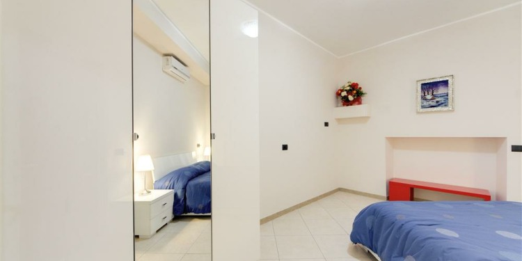 1-bedroom Apartment Roma Appio-Latino with kitchen for 4 persons
